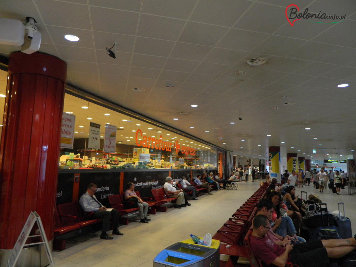 Bolonia lotnisko - Carrefour